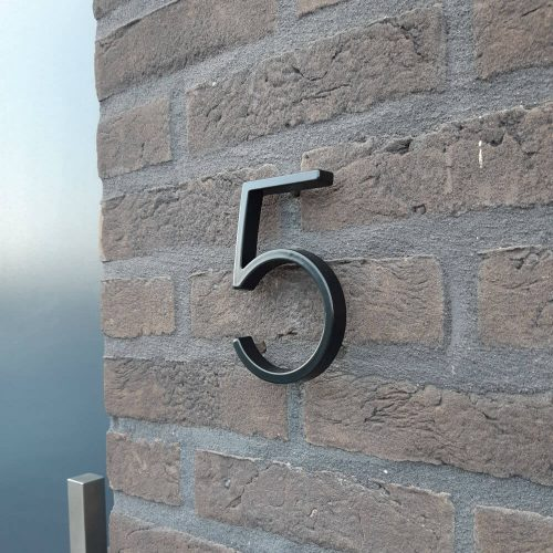 Zwart-huisnummer-vijf