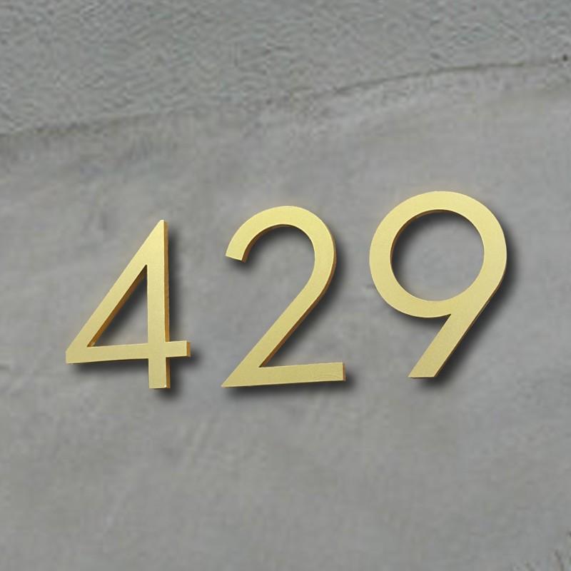 huisnummer-in-goud-van-15cm-hoog