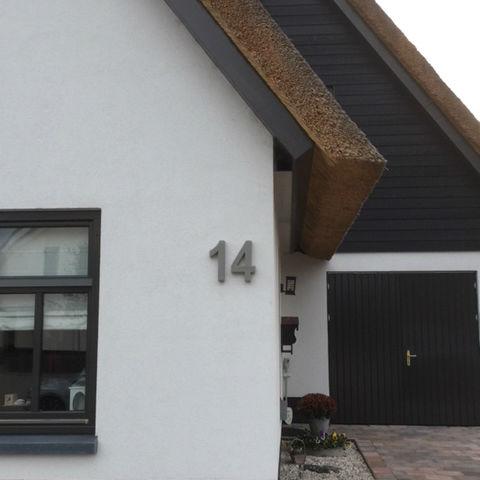 Betonnen-huisnummer-enrico300mm