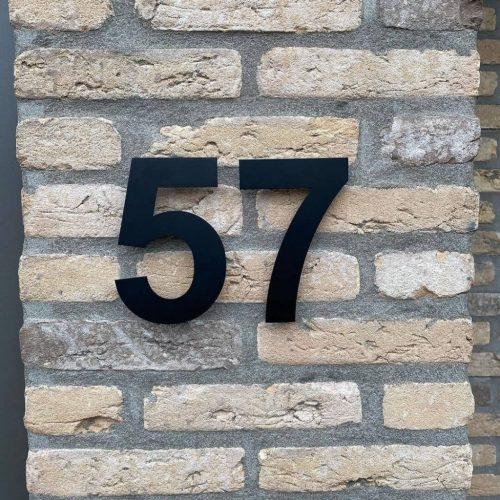 Zwart-huisnummer-rvs-57