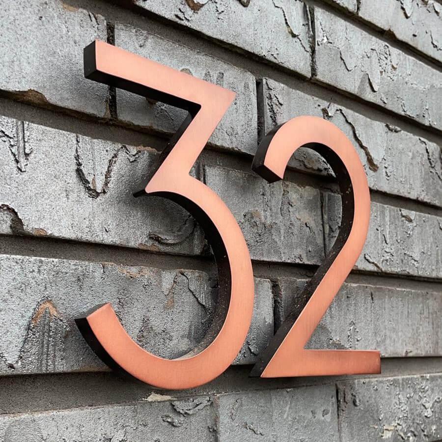 Koper-huisnummer-op-leistenen (1)