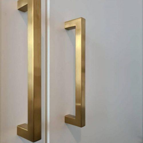 Gouden-handgreep-vierkant-showroom-2