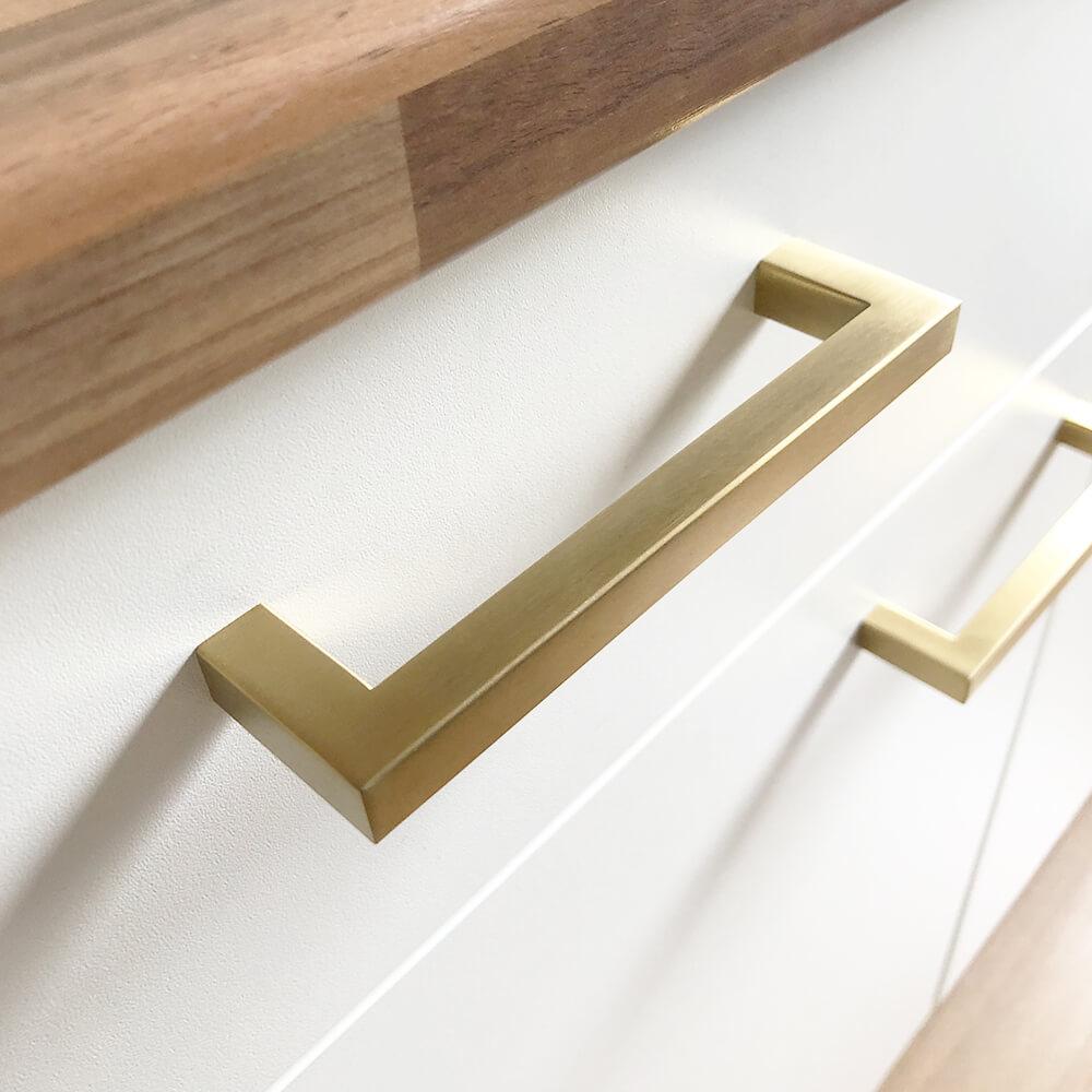 Meubelgreep-goud-vierkant-128mm-keukengreep