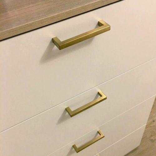 meubel-handgreep-goud-vierkant-meubelgrepen-96mm-gold.jpg