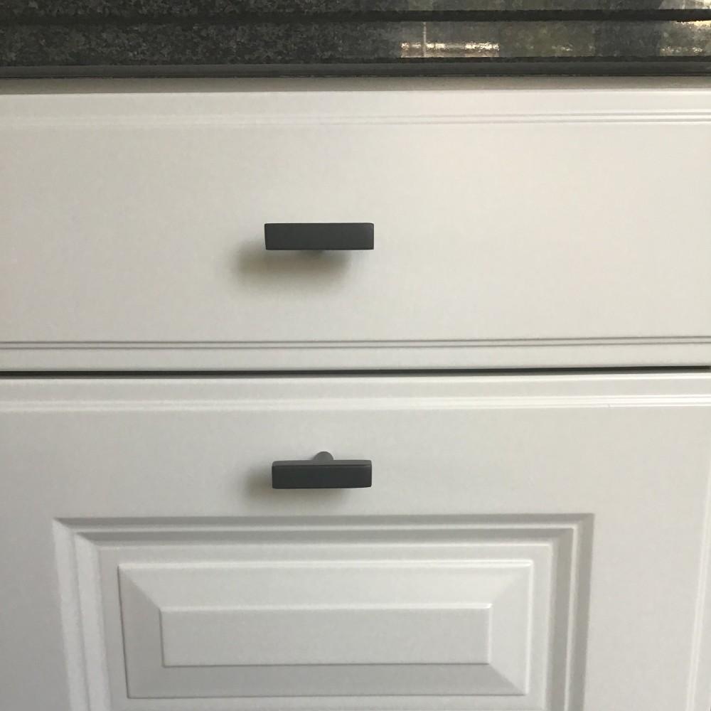 meubelknop-vierkant-metaal-mat-zwart