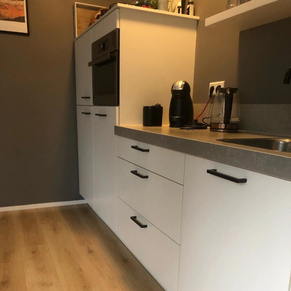keukengreep-zwart-vierkant-modern-matzwart