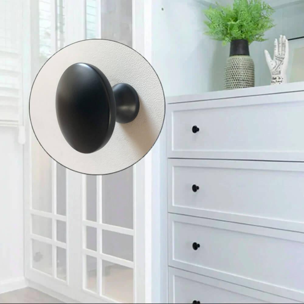 ronde-meubelknoppen-zwart-detail